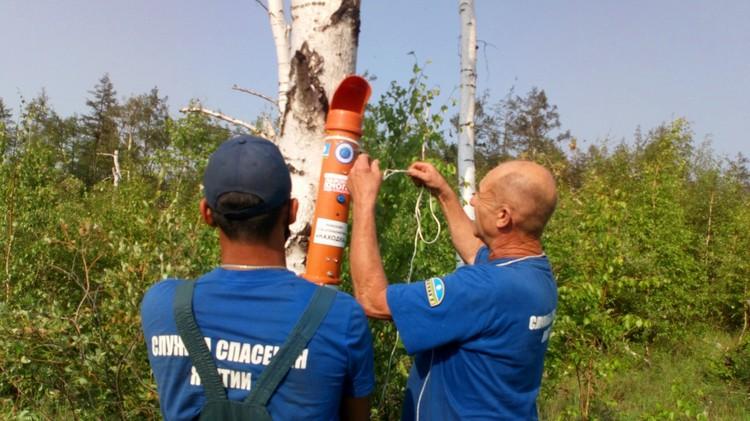 Спасатели приехали с оборудованием, выставили маяки. Фото: Управление поисково-спасательных работ Службы спасения Республики Саха (Якутия)