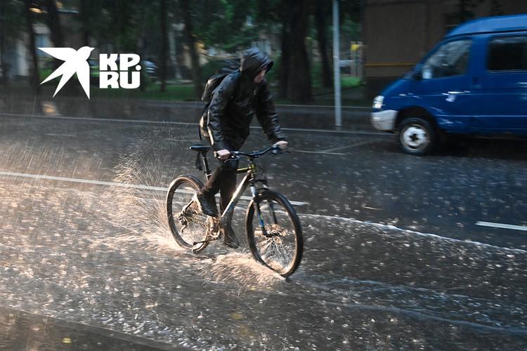 Сильный ливень 3 июля обрушился на Москву