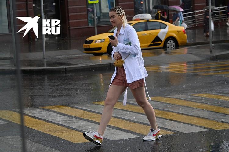 Москву третий месяц подряд заливают тропические ливни