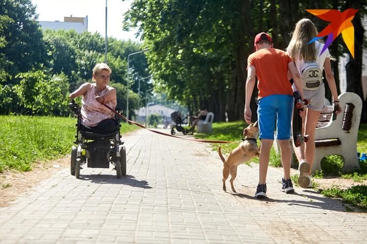 Во дворе Елену Константиновну знают все местные жители.