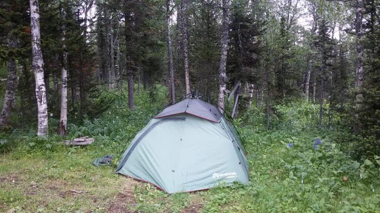 Почему туристы не укрылись в палатке, непонятно. Фото: ГСУ СК России по Красноярскому краю и РХ.