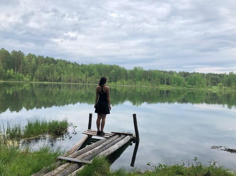 В тот роковой день семья отправилась на дачу у озера. Фото: соцсети.