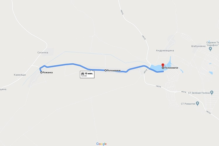 Ребенок вышел из своей деревни и, пока его волонтеры и милиция искали в лесу, вдоль трассы прошел 4 километра к озеру Полоневичи. Фото: Google Maps.