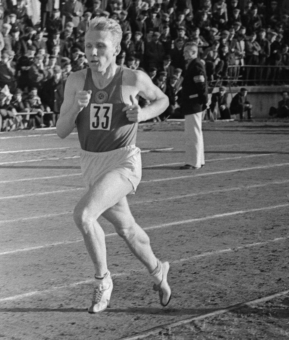 Советский бегун Владимир Куц, 1956 год. Фото: ТАСС