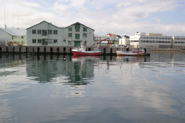 Рыболовство в Варде знало и лучшие времена. Но и сейчас здесь рыбу и ловят, и перерабатывают, и продают. И едят с удовольствием.