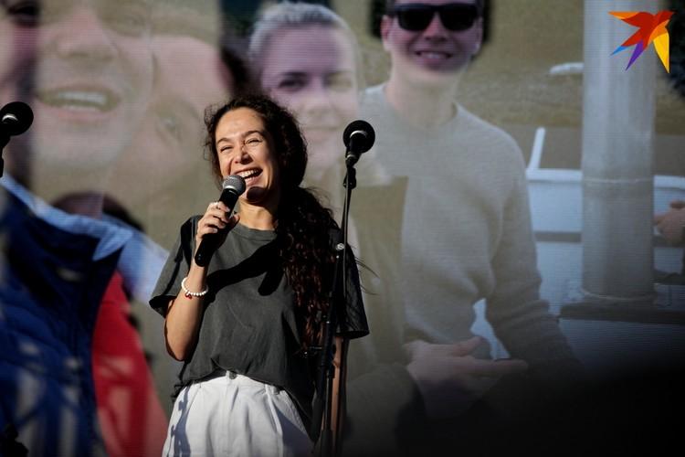 Девушка Эдуарда Бабарико (сын претендента в кандидаты Виктора Бабарико).