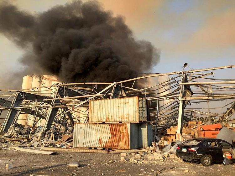 Взрыв сотряс жилые районы морского порта крупнейшего города и столицы государства