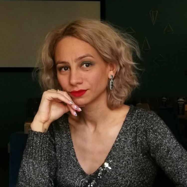 Марина Кохал перекрасилась в блондинку