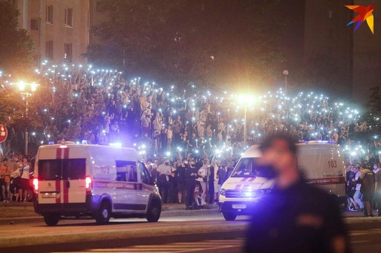 Вечером 9 августа 2020 года на проспекте Победителей в Минске было немало людей.