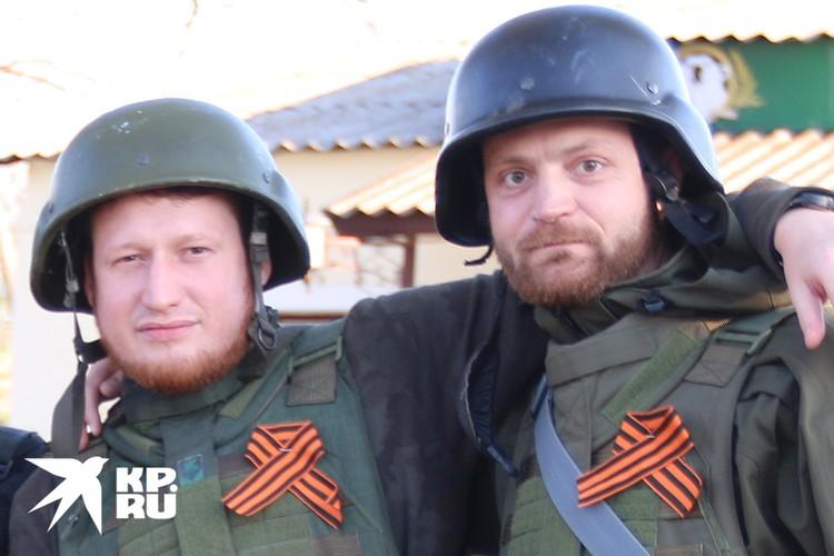 Военкоры Семен Пегов и Александр Коц на Донбассе, 2015 год.