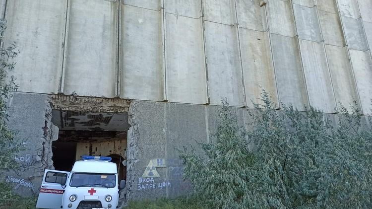 Туристы провалились в туннель днем 13 августа. Фото: предоставлено очевидцами