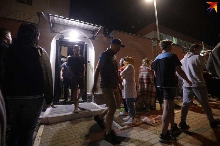 В ночь на 14 августа отпускали тех, кто был задержан на протестах 9-12 августа.