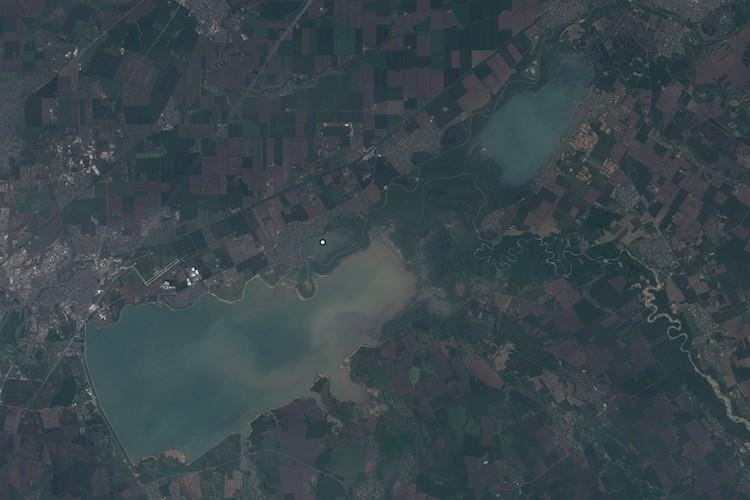 Краснодарское водохранилище 15 мая 2020 Фото: EOS Landviewer