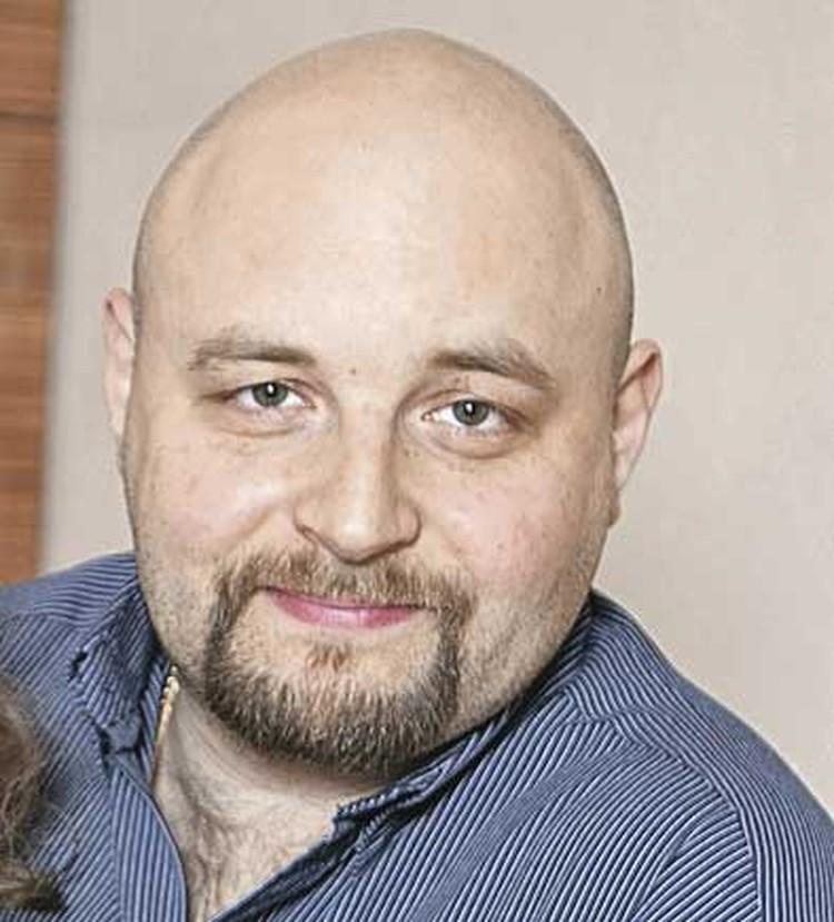 Первый муж - Илья Хорошилов.
