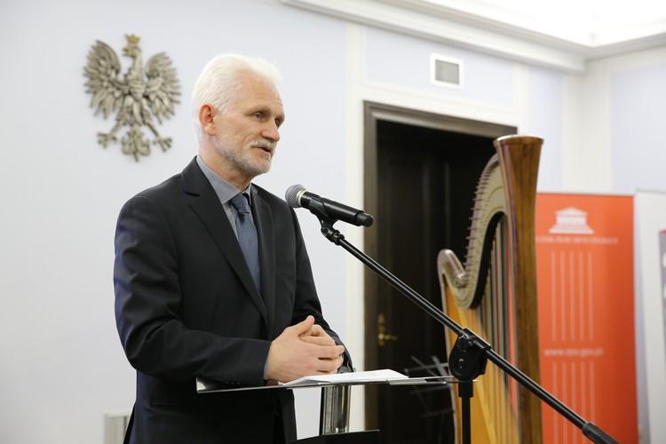 Еще одна известная фигура в совете – правозащитник Алесь Беляцкий, осужденный на 4,5 года за «сокрытие доходов в особо крупных размерах».