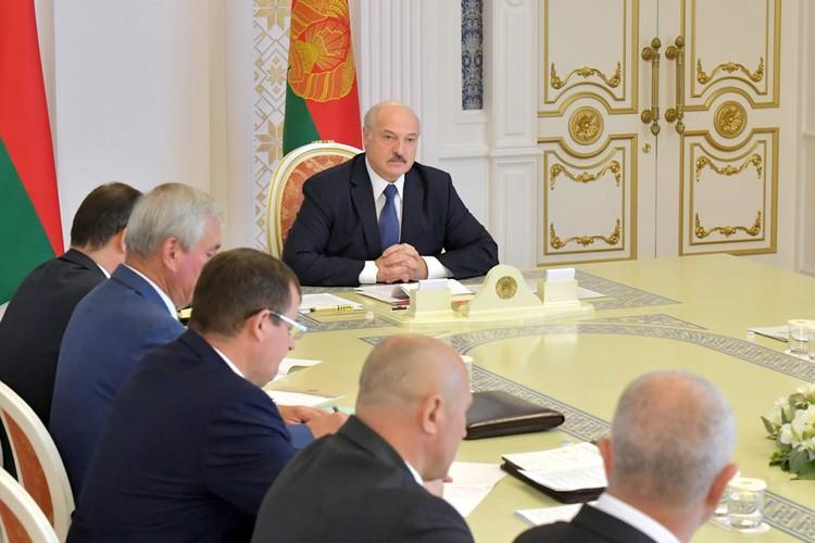 Первым, кто громогласно объявил о начале заседания Координационного совета оппозиции, стал... президент Белоруссии