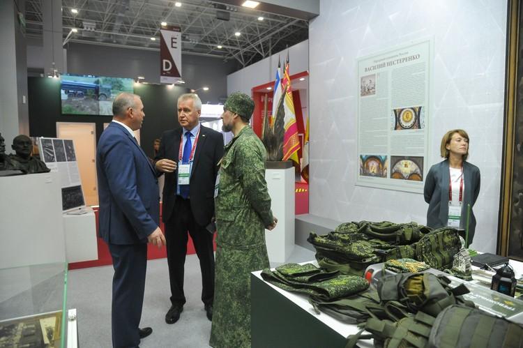 """Ряса для работы на полевых выходах и учениях была представлена на форуме """"Армия-2020"""""""