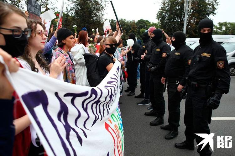 Омоновцы не пропустили гран-парад
