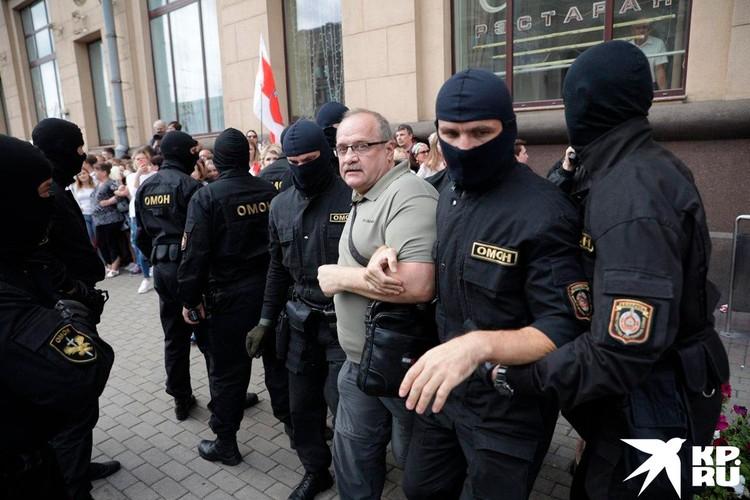 Задержание митингующих в Минске