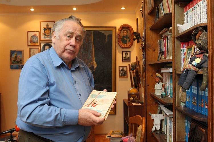 Сыновья писателя дежурили у палаты отца. Ранним утром 1 сентября его состояние ухудшилось
