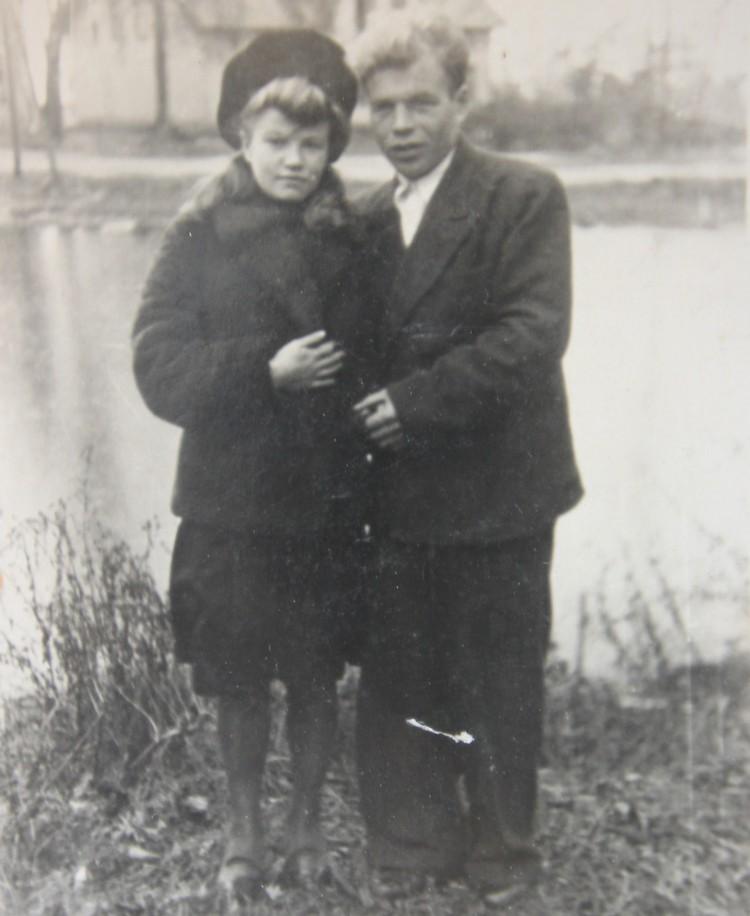 Со своим будущем мужем Петро Пименовым Зоя познакомилась через два года после переезда в нашу область.