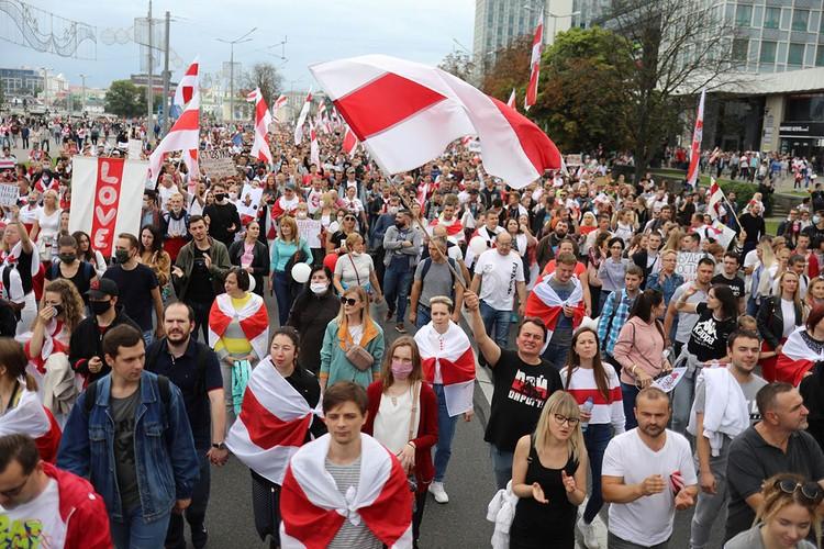 В столице в воскресенье прошел очередной протестный марш.