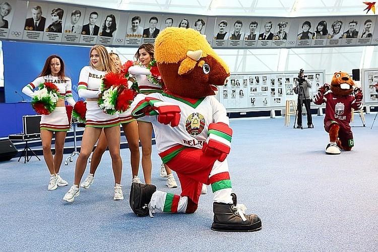 Международная федерация по хоккею следит за ситуацией в Беларуси, но переносить чемпионат 2021-го года не намерена.