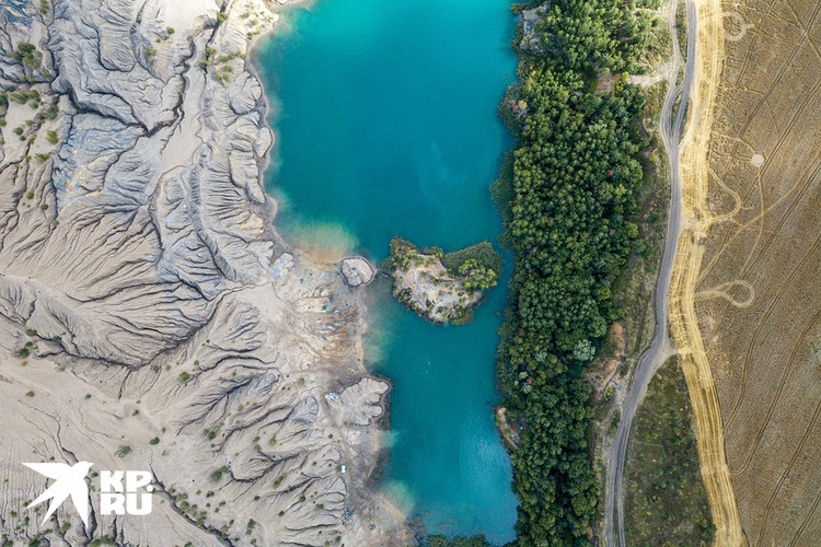 Вид с квадрокоптера на Романцевские горы, Тульская область.