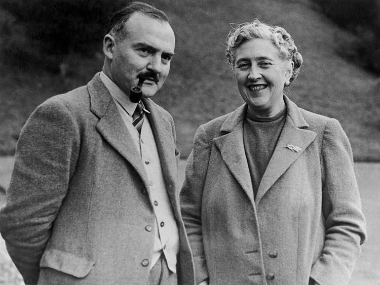 Писательница с мужем, археологом Максом Маллованом.