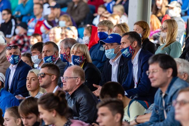 Губернатор Алексей Текслер и Юрий Борзаковский обсудили проведение чемпионата-2022 в Челябинске.