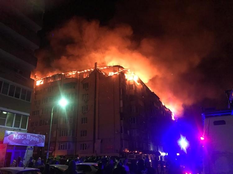 Выгорел весь последний этаж. Фото: ГУ МЧС РФ по Краснодарскому краю
