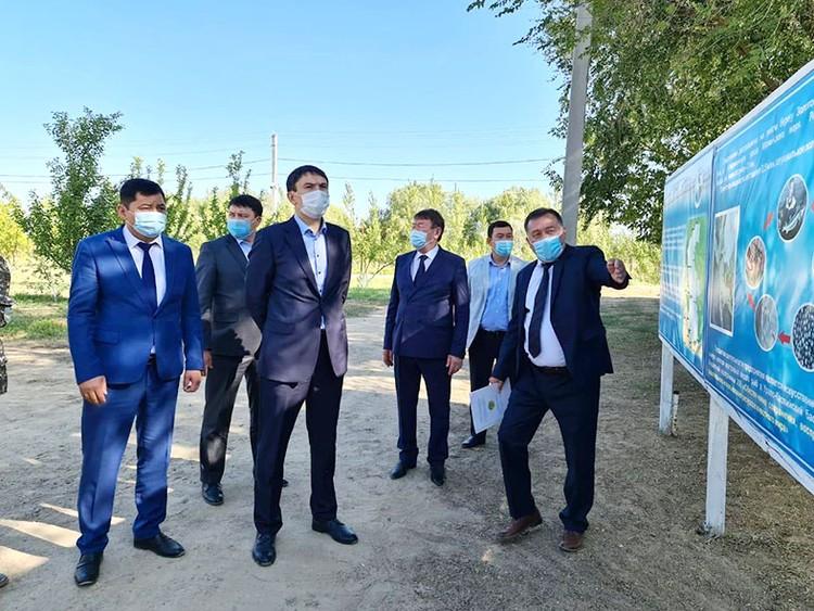 Министр экологии, геологии и природных ресурсов РК Магзум Мирзагалиев встретился в Атырау с представителями крупных рыбных производств.