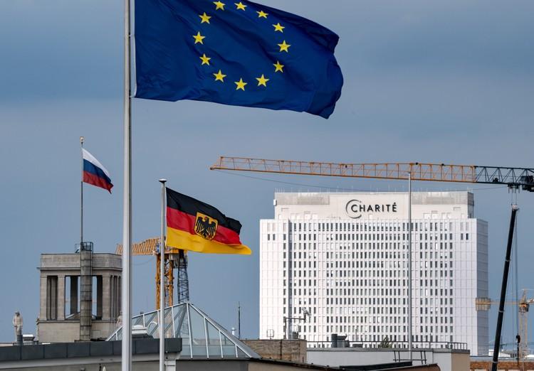 Российский оппозиционер продолжает лечение в немецкой клинике Шарите
