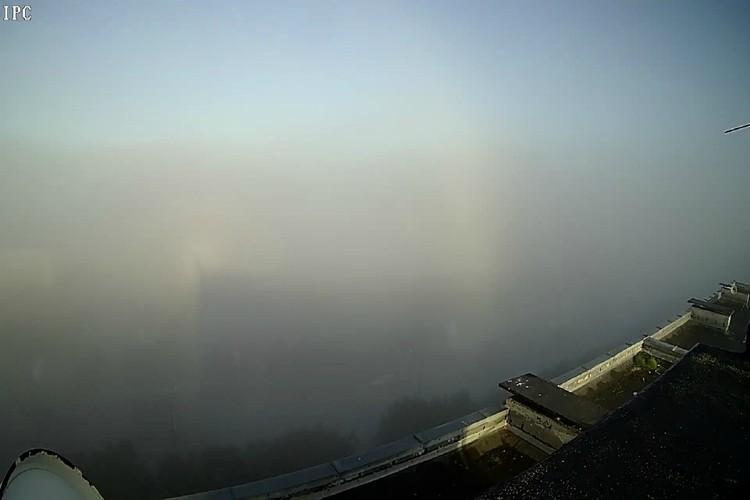 """Туманный призрак гулял по Мурманску. Фото: """"Погода в Мурманске"""""""