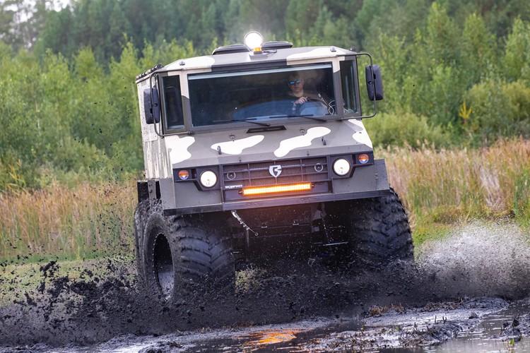 «Бурлаки» грязи не боятся. Фото: Алексей Китаев