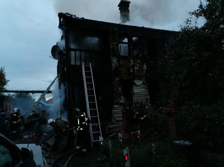 Огнь мгновенно распространился по всему дому Фото: ГУ МЧС по Красноярскому краю