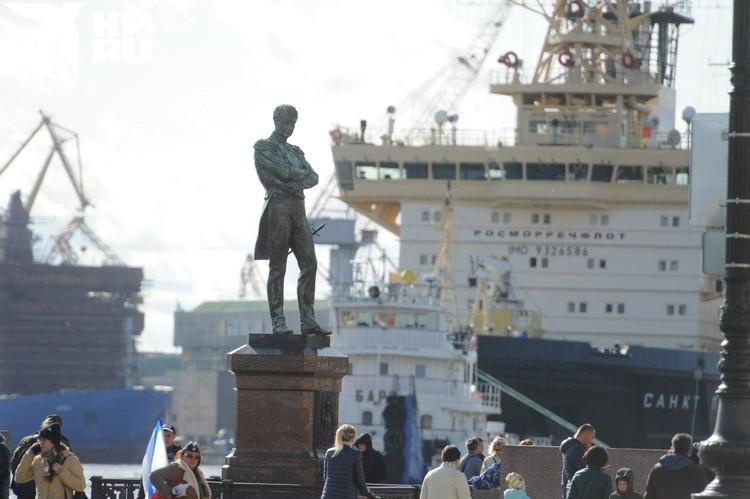 Петербург - город морской.