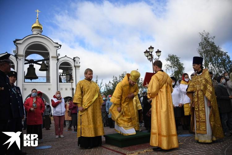 Елисаветинский крестный ход уже девятый год привязан к ее именинам (18 сентября)