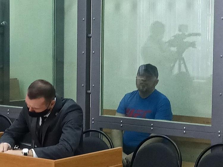 Друзья семьи говорят, что Антон Проскурин очень любил Зинаиду и на суде он не сводил с нее глаз