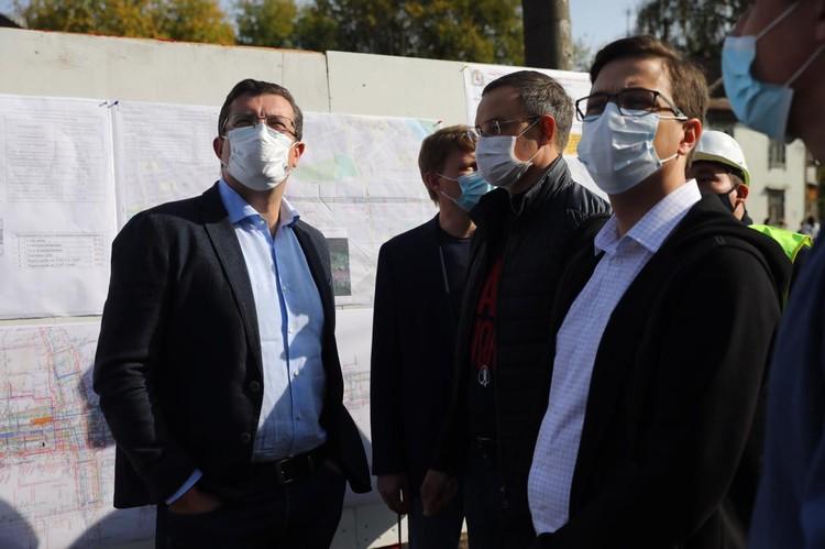 Глеб Никитин провел выездное совещание на месте строительства дорожной развязки в Сормово. Фото: Кирилл Мартынов