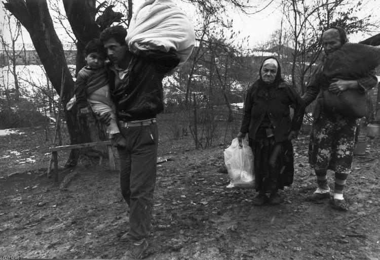 Беженцы из Нагорного Карабаха. 1992 год.