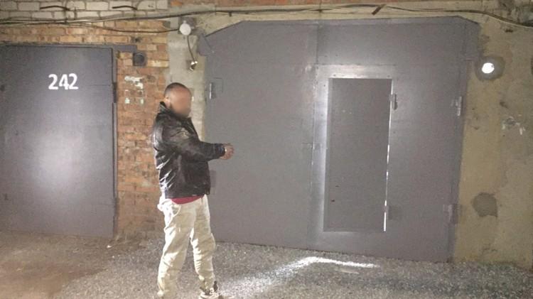 Наркотики мужчина хранил в гараже в Артеме