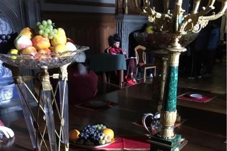 """Музейный экспонаты использовали очень бережно и аккуратно. Фото: Фильм """"Гардемарины-IV""""/VK"""