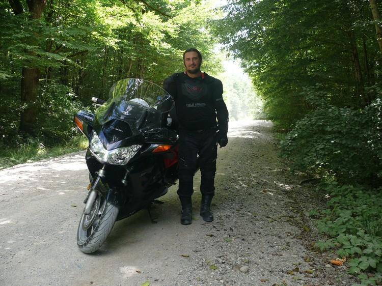 Первый мотоцикл у будущего преподавателя появился в 13 лет. Фото: Личный архив Олега Палия