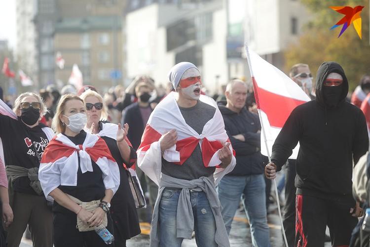 Протестующие на Машерова.
