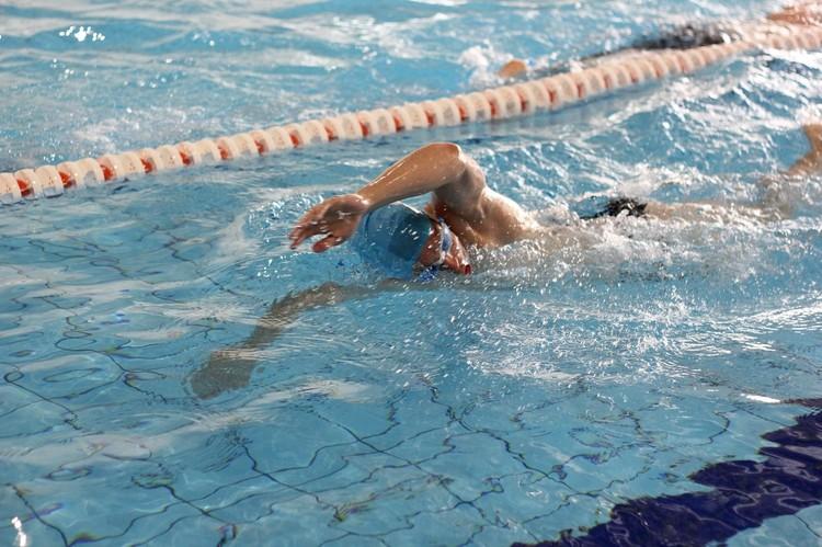 Больше года назад в своем родном городе он уже устраивал благотворительный заплыв. Фото: Личный архив Алексея Михайлусова