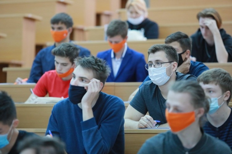 Пандемия отразилась не только на школьниках, но и на студентах