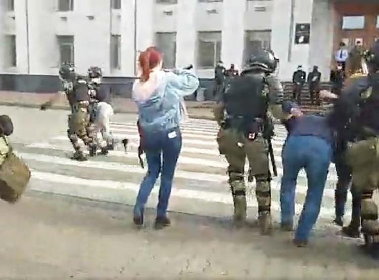 ОМОН применял физическую силу ФОТО: Светлана Зеленова