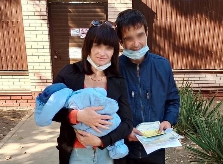 Наталья и ее супруг забрали сынишку из детского дома. Фото: страница в Facebook Алексей Пономарев.