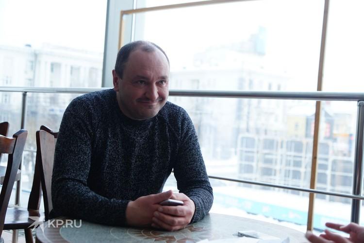 Сергей Ершов в студенческие годы стал увлекаться участием в КВН и так попал в «Уральские пельмени».